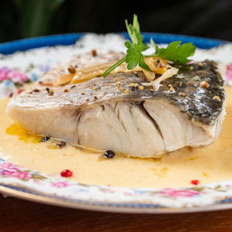 限平日午間/ 商午套餐 -  新鮮鱸魚&法式白酒醬 Sea bass