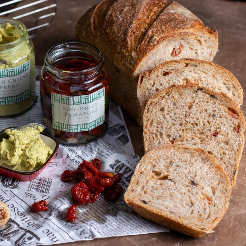 地中海果乾麵包+3種風味醬組