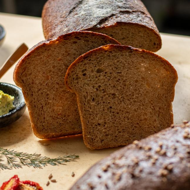裸麥全麥酸麵包 / Darnitskiy