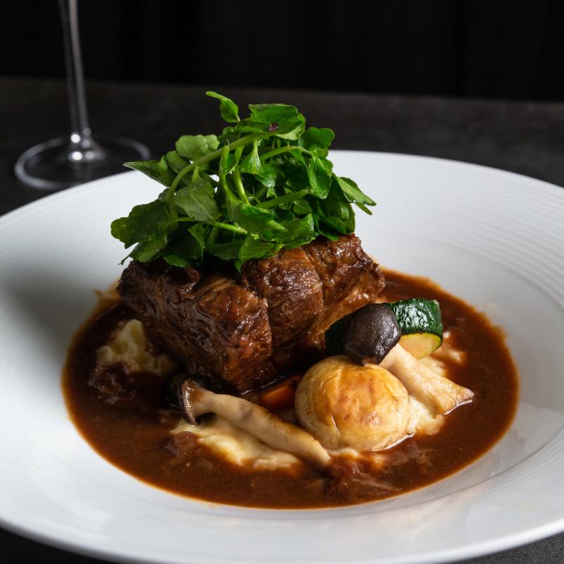 松露波爾多紅酒燉牛肉+典藏茴香龍蝦濃湯
