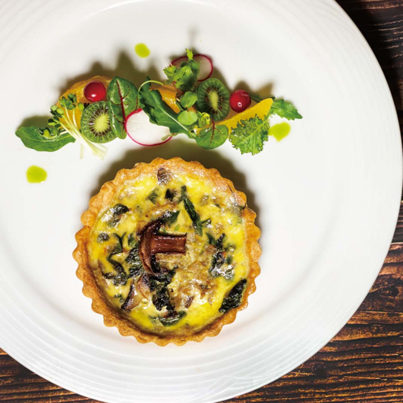 蘑菇菠菜法式鹹派 / French Mushroom and Spinach Quiche  Quiche aux champignons et épinards