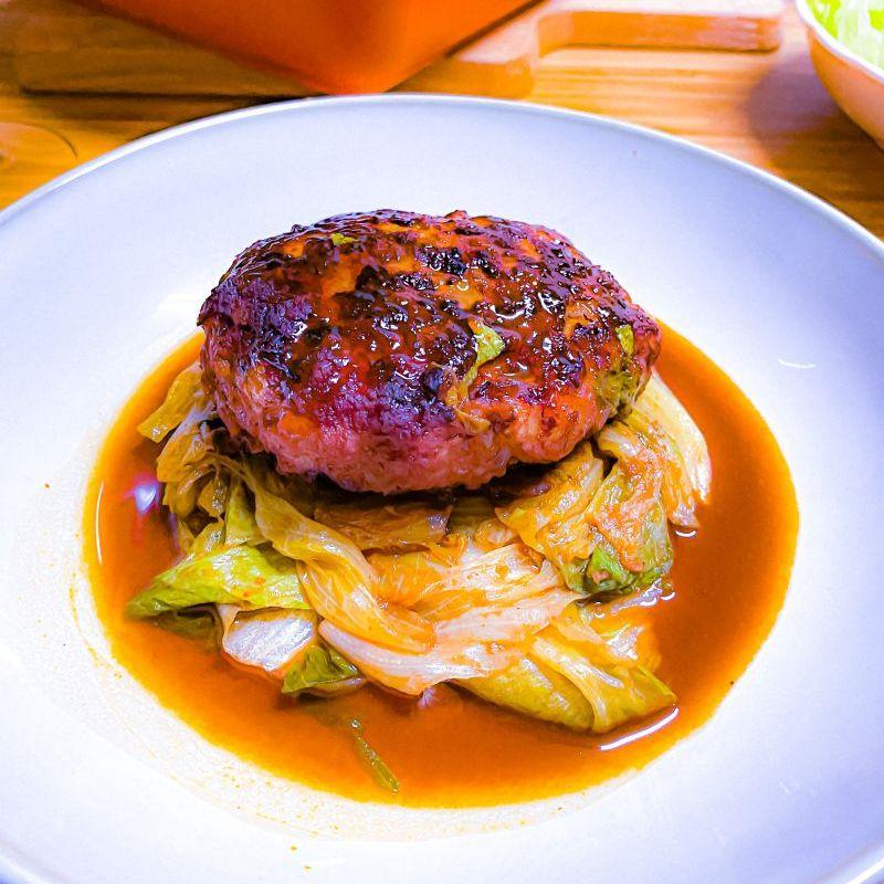 Aric手工漢堡排與熱帶水果醬汁